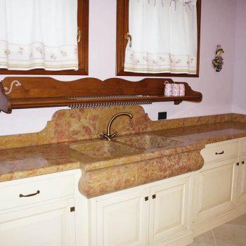 Piano cucina in marmo Giallo Reale – Marmi Sgambaro